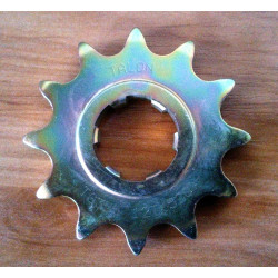Bultaco front sprocket 520. 12 teeth.