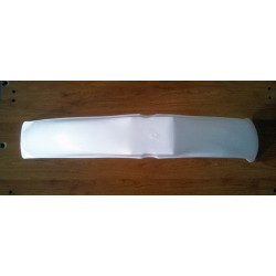 Front fender cross in white.